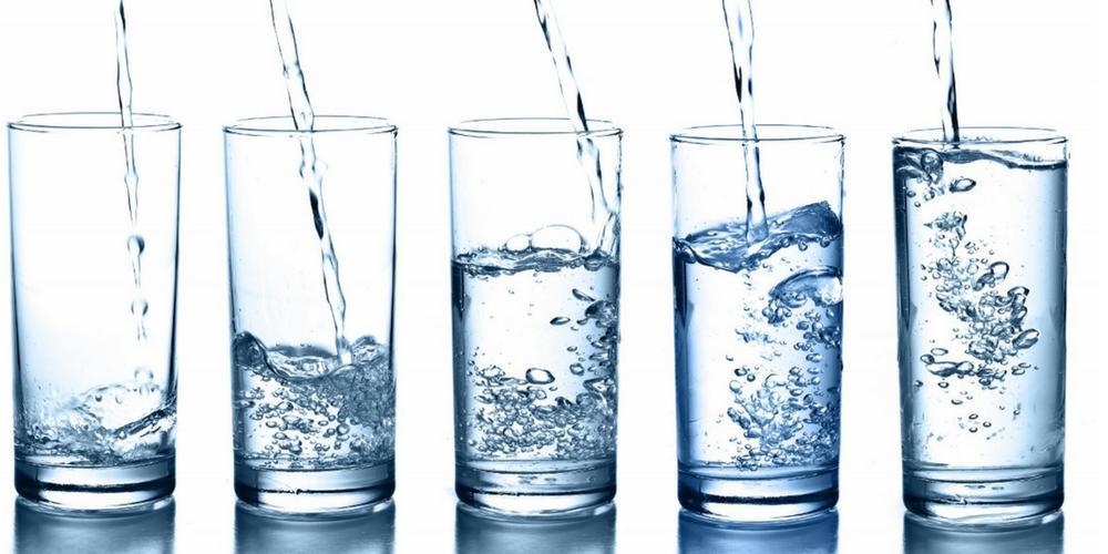 Сколько в день выпивать воды, суточная норма потребления
