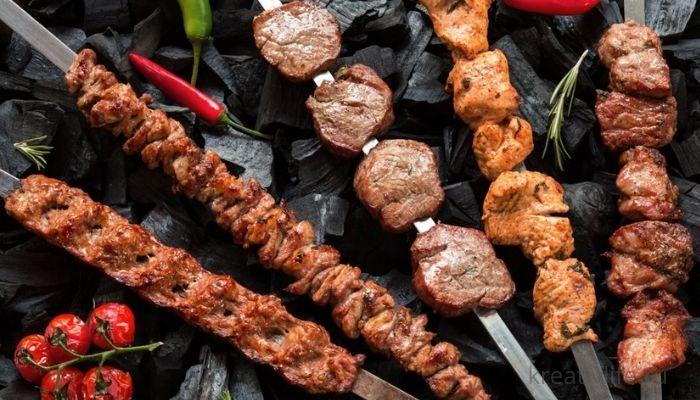 Жареное мясо, шашлыки, колбаски